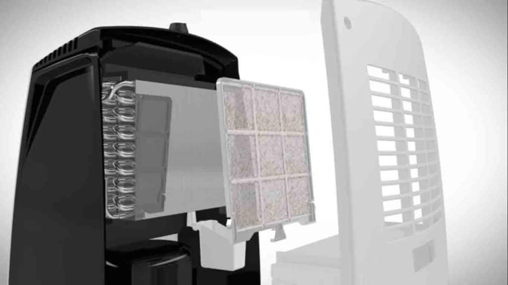 dehumidifier-working-air-purifier-vs-dehumidifier